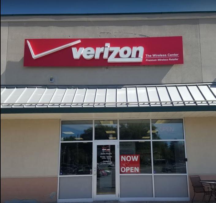 Verizon Authorized Retailer – Hudson Falls store image