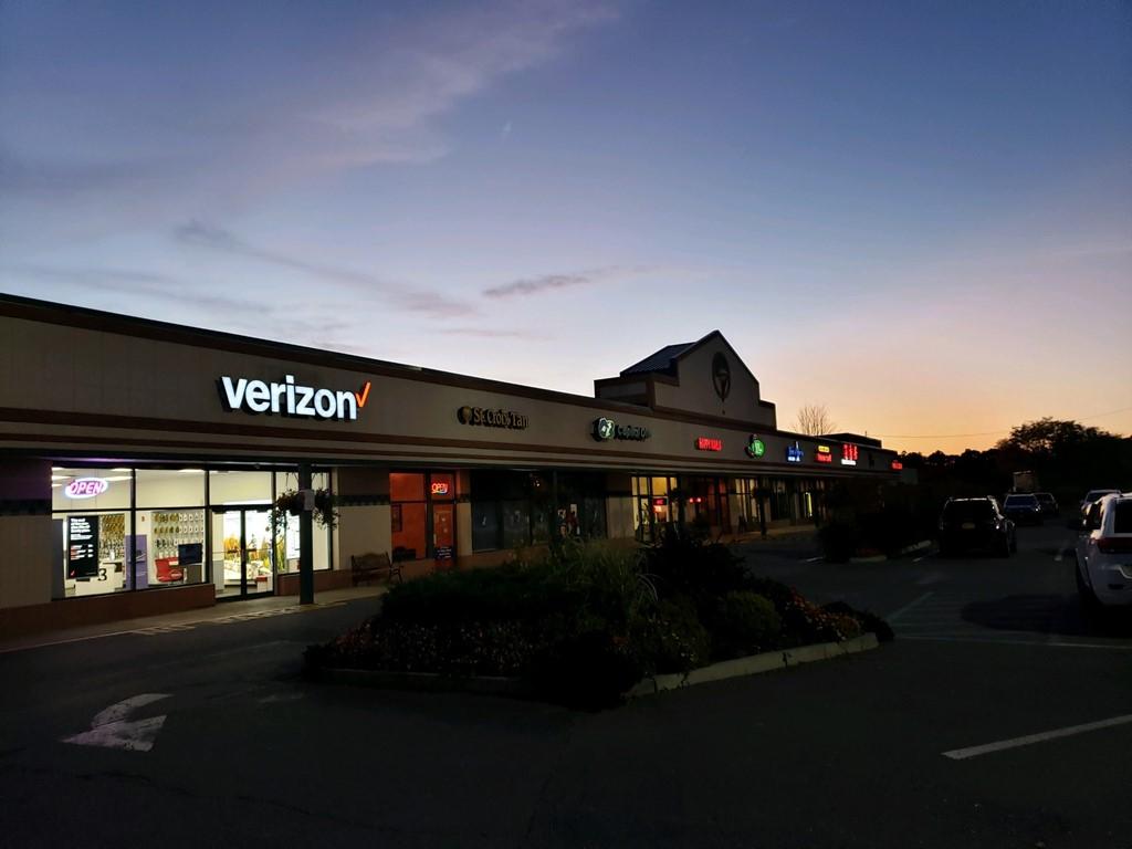 Verizon Authorized Retailer – Guilderland Store Image