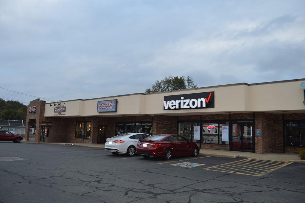 Verizon Authorized Retailer – Foxboro Store Image