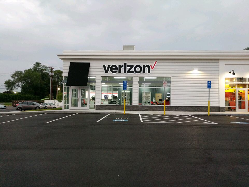 Verizon Authorized Retailer – Norwich Store Image