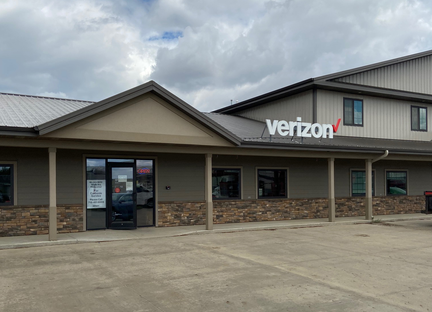 Rock Valley Store Image