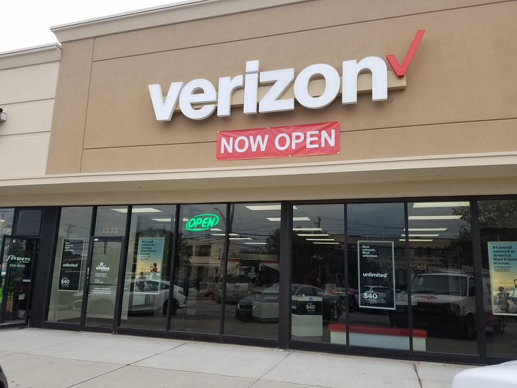 Verizon Authorized Retailer – Wantagh Store Image