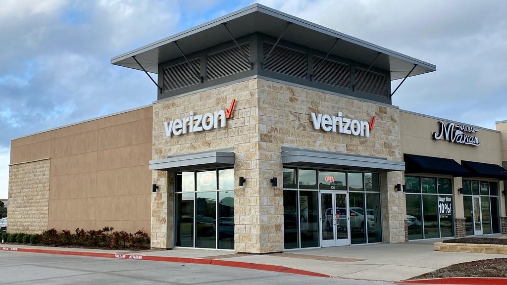 Verizon Authorized Retailer – Glade Park Store Image