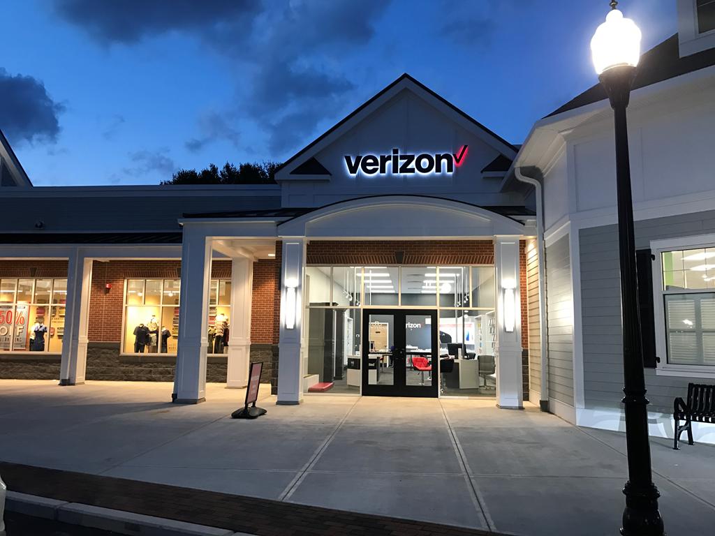 Verizon Authorized Retailer – Longmeadow Store Image
