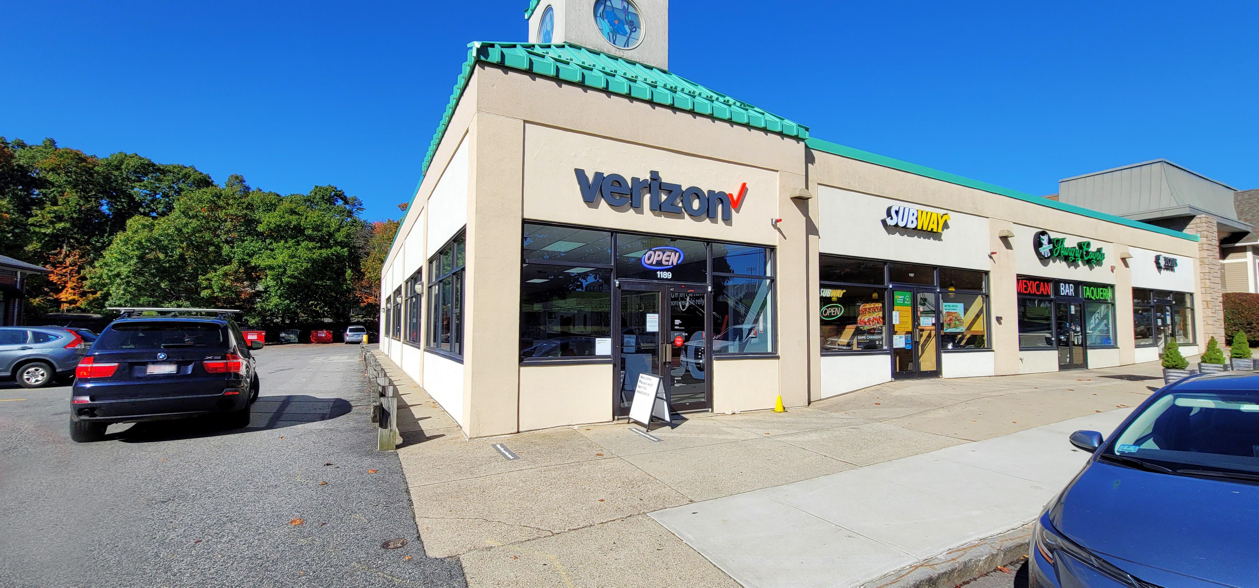Verizon Authorized Retailer – Needham store image
