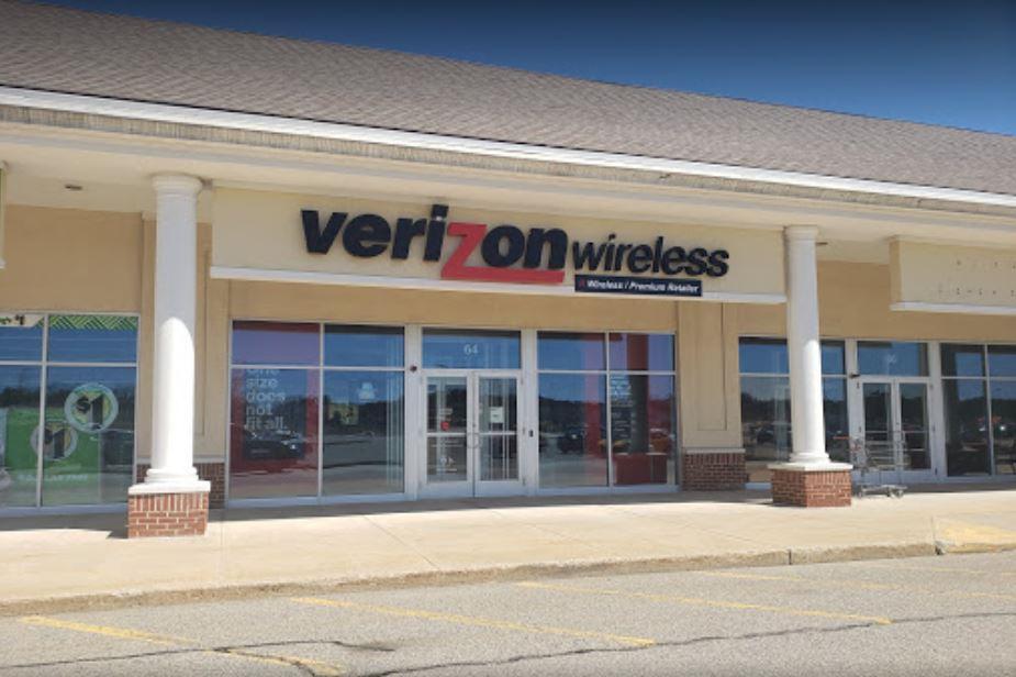 Verizon Authorized Retailer – Plymouth store image